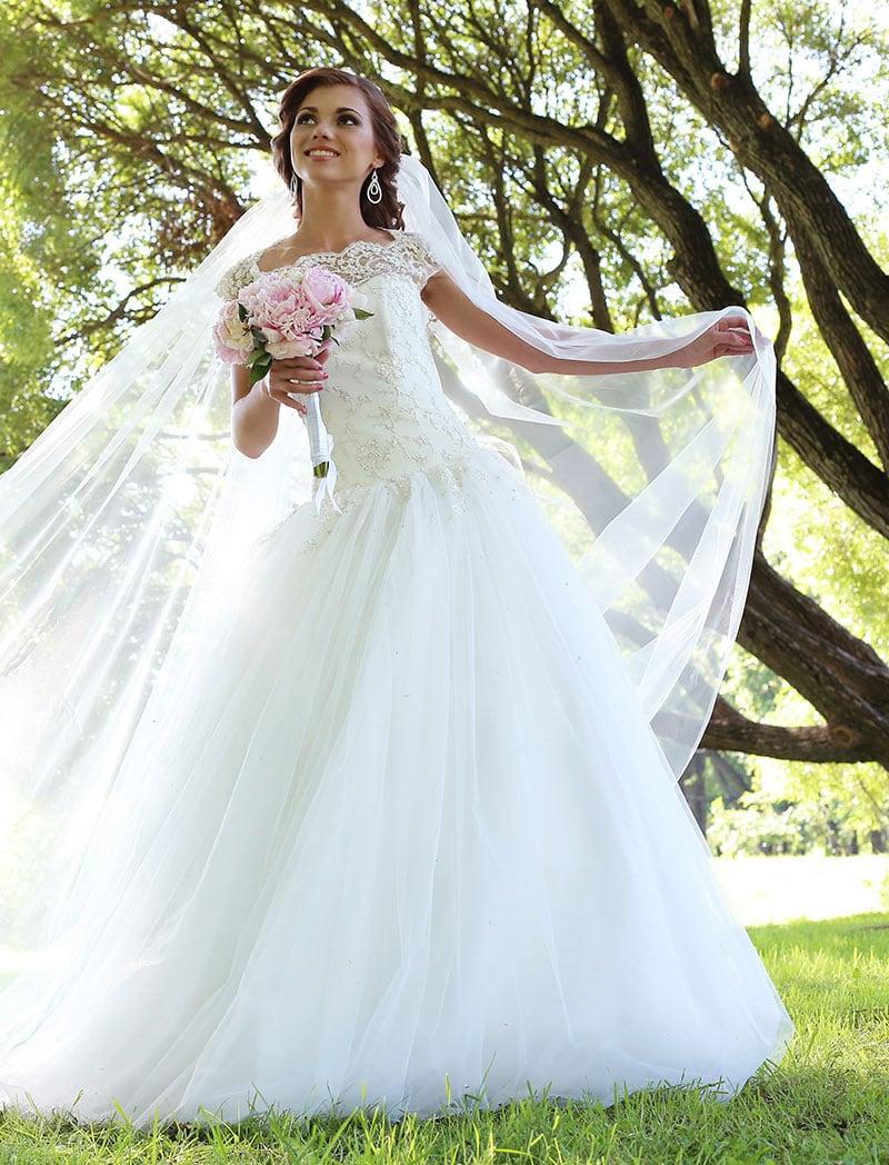 bride-wedding-day-at-maxwells-eat-play-stay